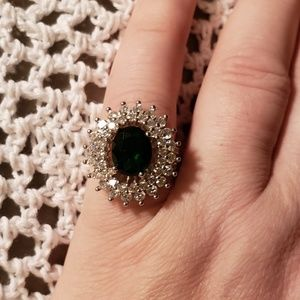 BREATHTAKING .925 Stamped Emerald and topaz ring.